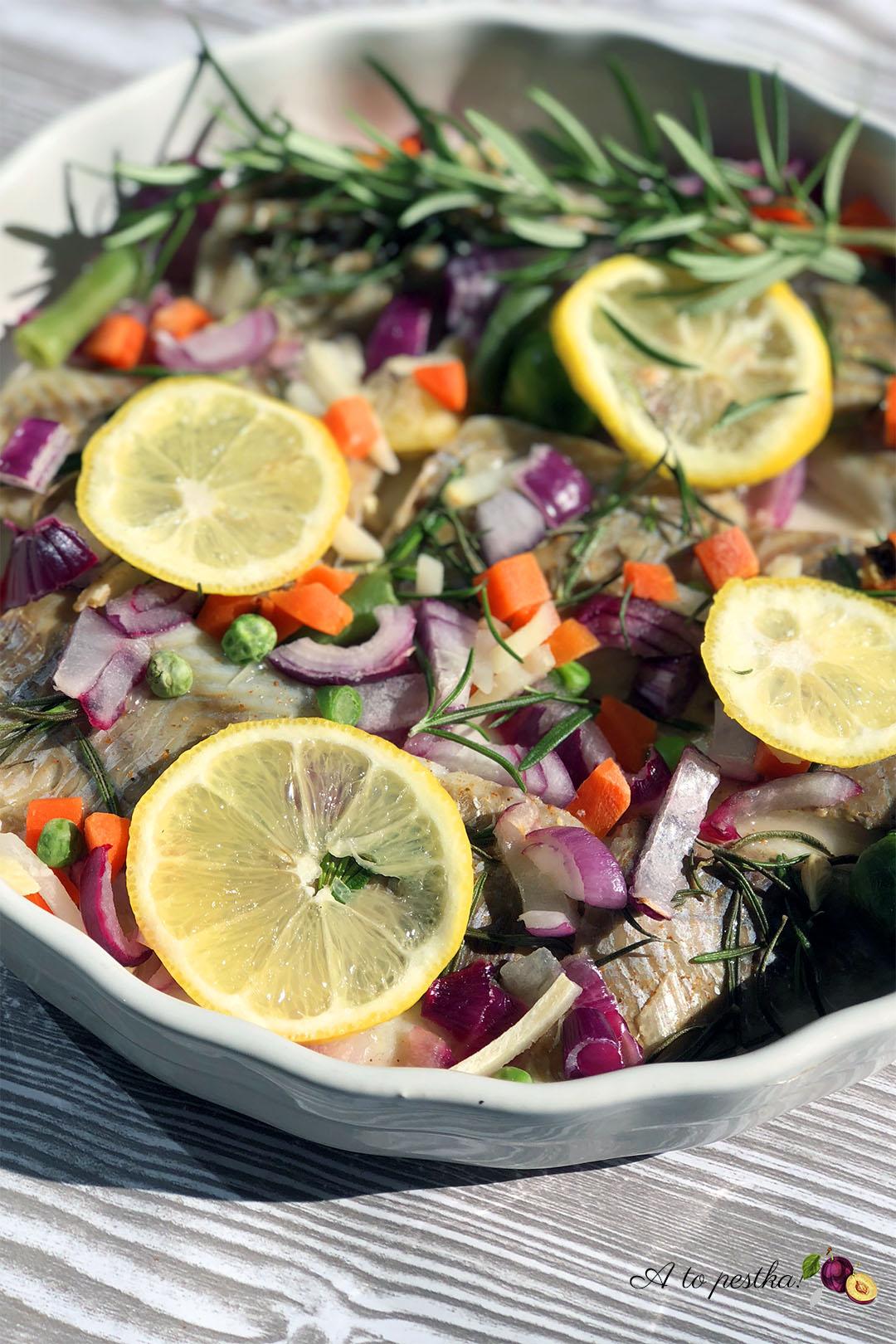 Dorsz w sosie cytrynowym zapiekany z warzywami