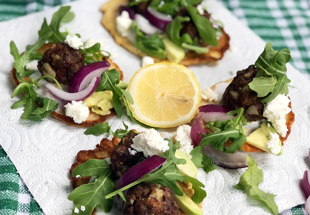 Zdrowy obiad - kotleciki z awokado i serem feta