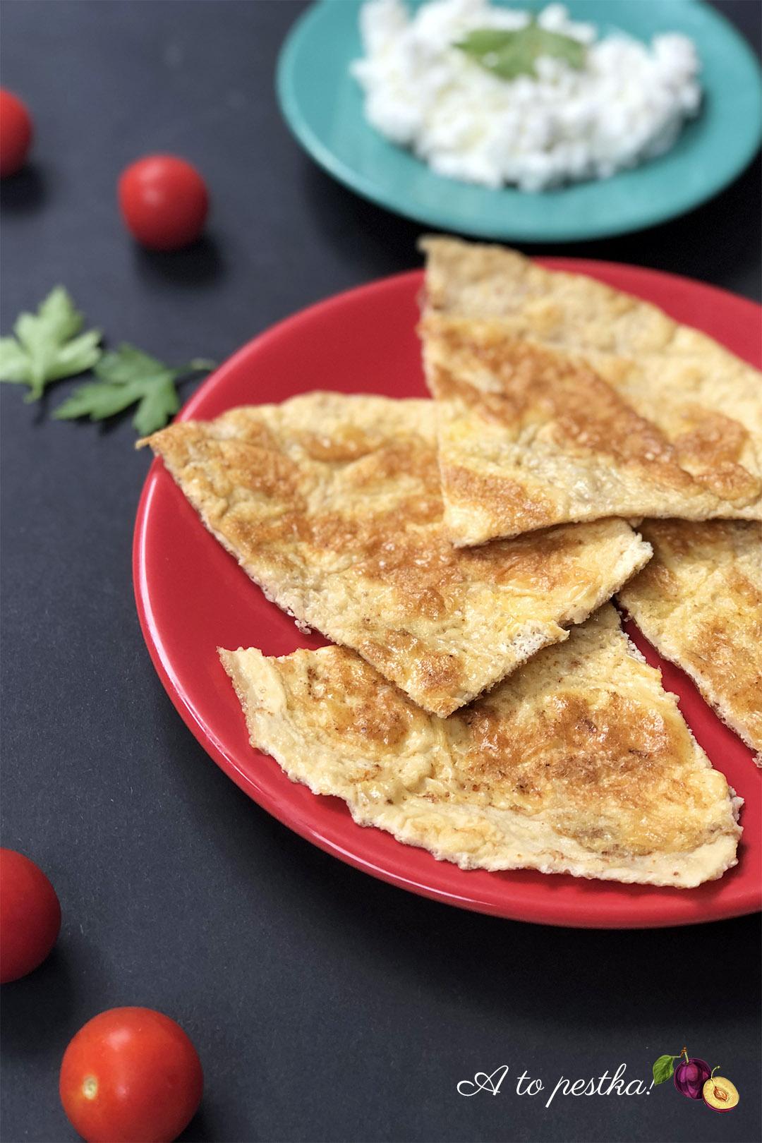 Omlet z twarożkiem – fit śniadanie na słono